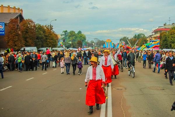 Фестиваль дерунів