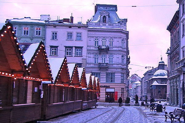 Новорічний тур до Львова з Києва / вихідні у Львові + зимові Карпати