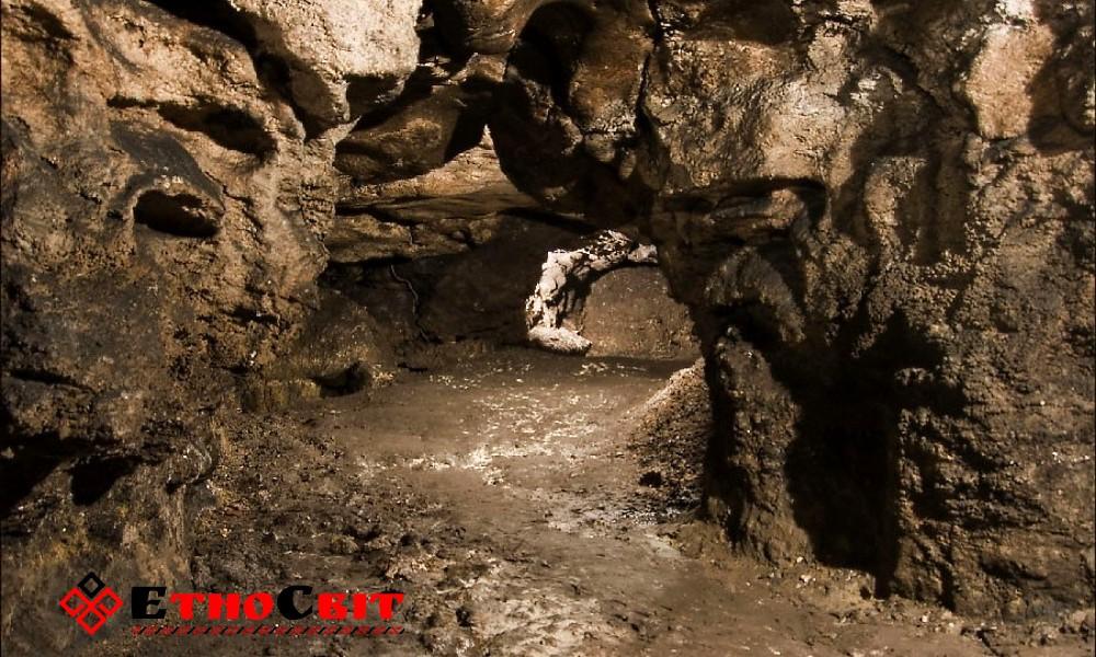 Бильче-Золотое.  Пещера Вертеба-1