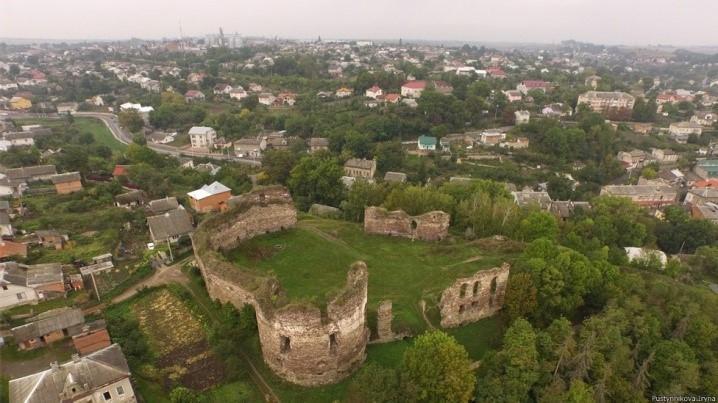 Бучaцький зaмок нa Тернопольщине