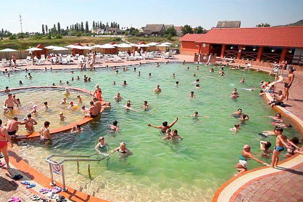 Термальний бассейн Берегово Жайворонок