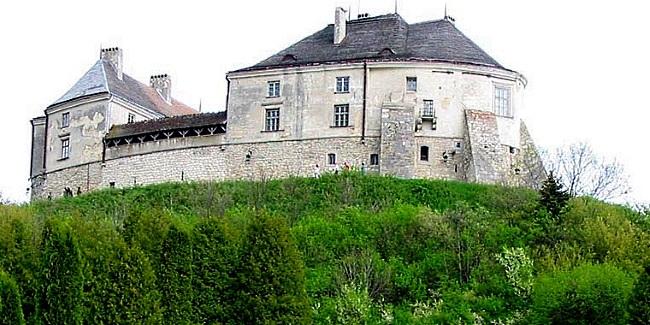 Олесский замок Львовщина що цікавого у львові