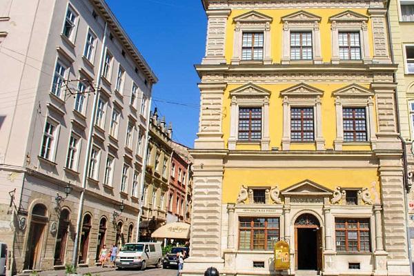 lviv-Palace_Bandianelli
