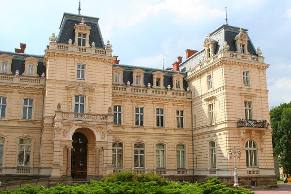 тур на Травневі свята до Львова