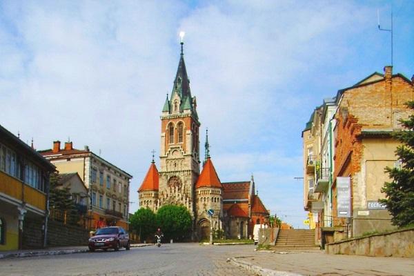 chortkiv-kostel-stanislava