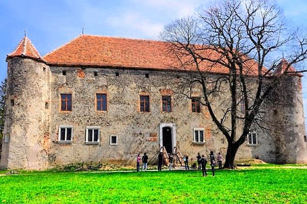 Замок Сент-Миклош | замок любви | Чинадиевский замок