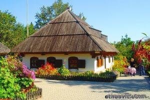 тур вихідного дня з Києва і Львова