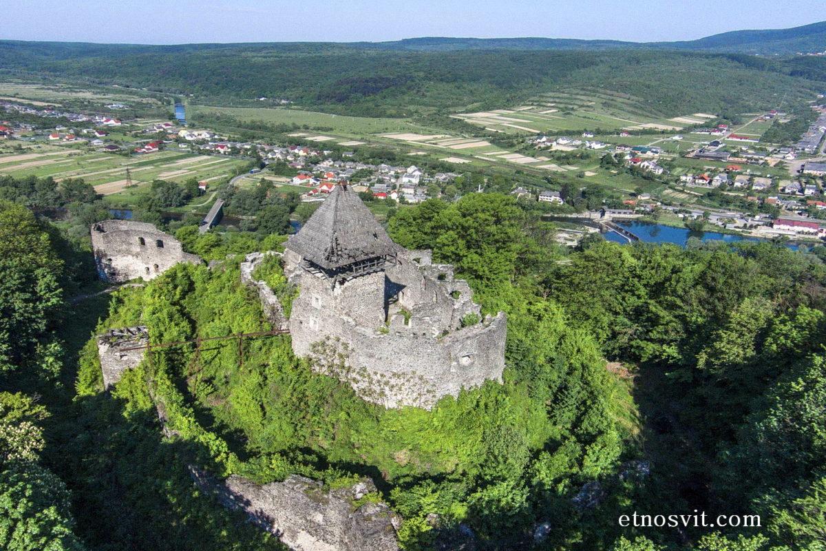 Замки Закарпатья - Невицкий замок