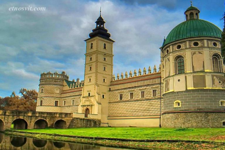 Замок Красіцьких, Перемишль, Польща / екскурсійний тур в Словаччину та Польщу