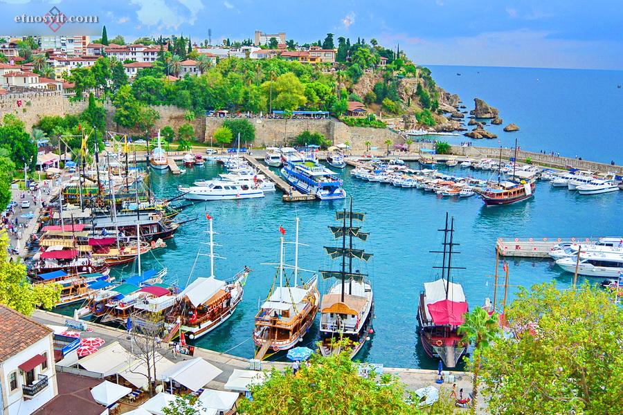 Анталія - місто-курорт на півдні Туреччини