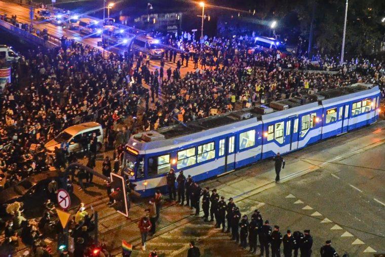 Заборона абортів в Польщі і абортний туризм в Україні | Новини