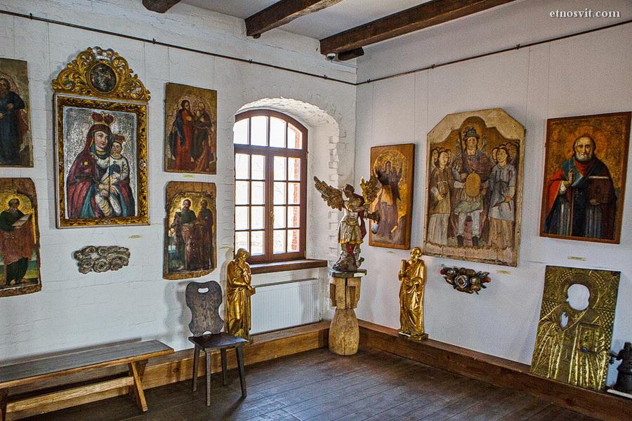 Замок Радомысль, иконы