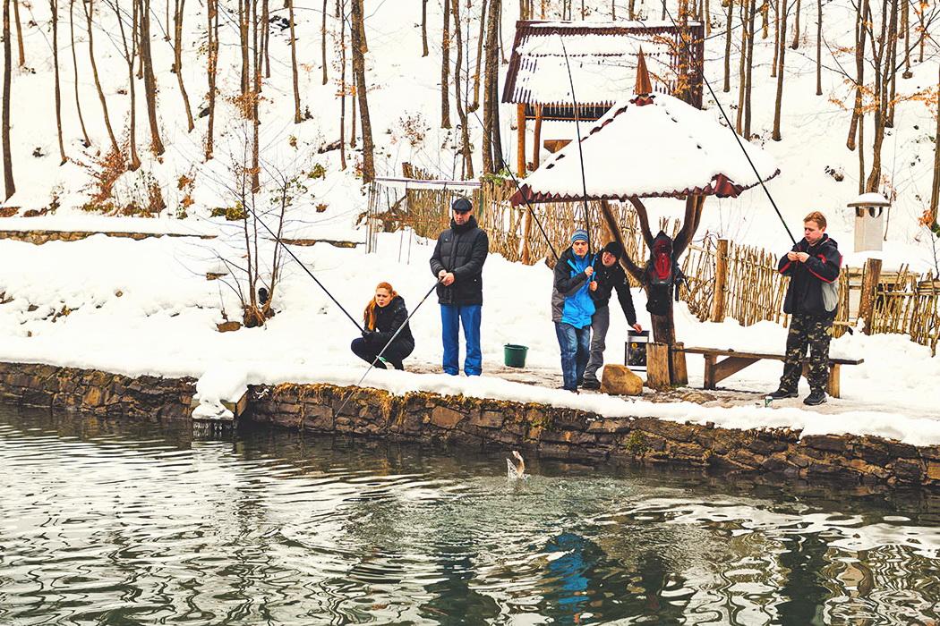 Риболовля взимку в Карпатах